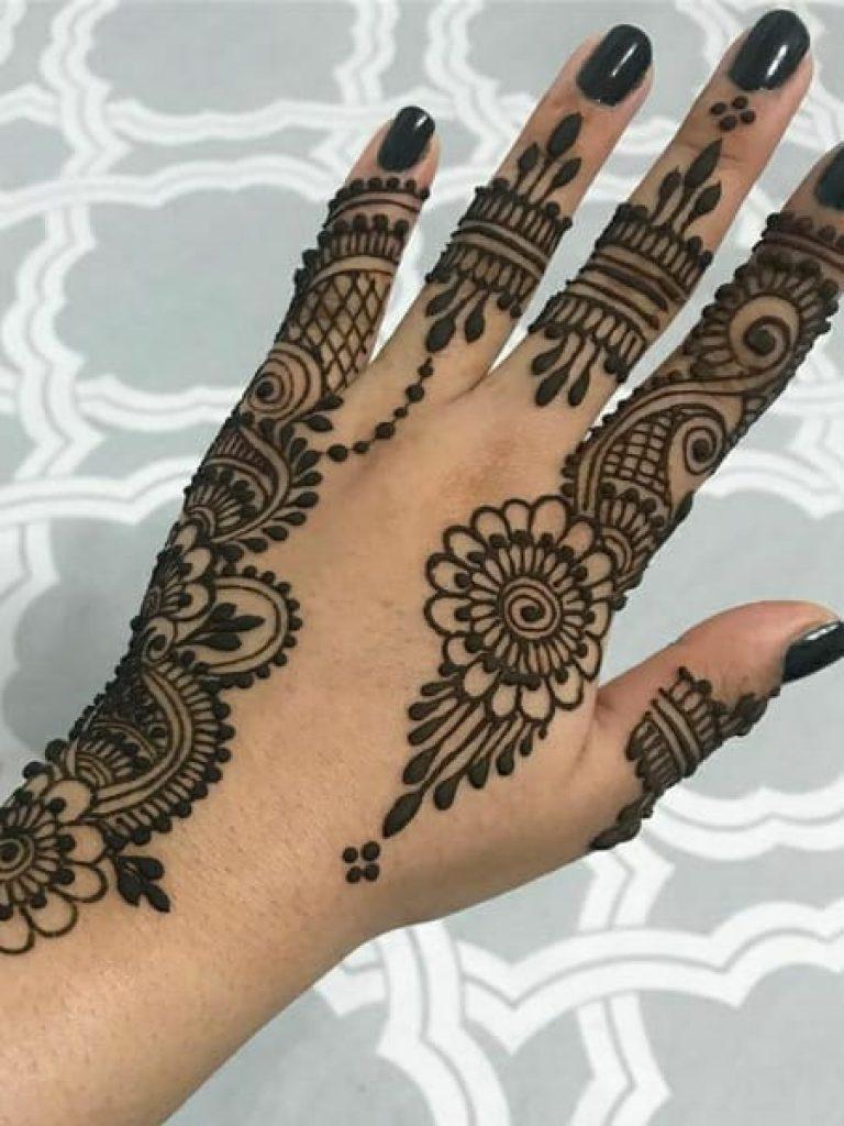 Flowery Arabic Mehndi Design