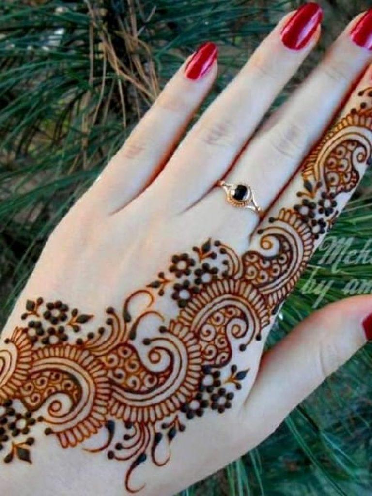 Single Trail Arabic Mehndi Design