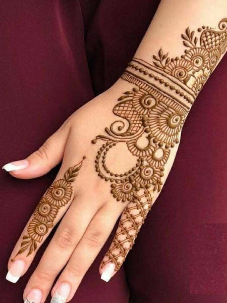 Wrist Band Arabic Mehndi Design