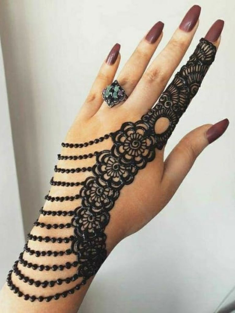 Connecting Dots Arabic Mehndi Design