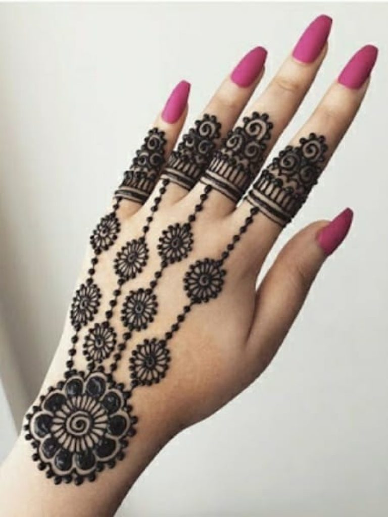 Knuckle Rings Arabic Mehndi Design