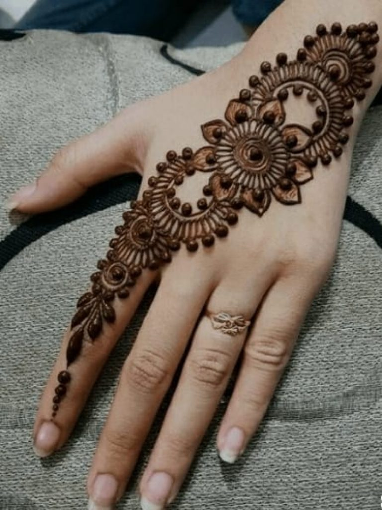 Thick Arabic Mehndi Design
