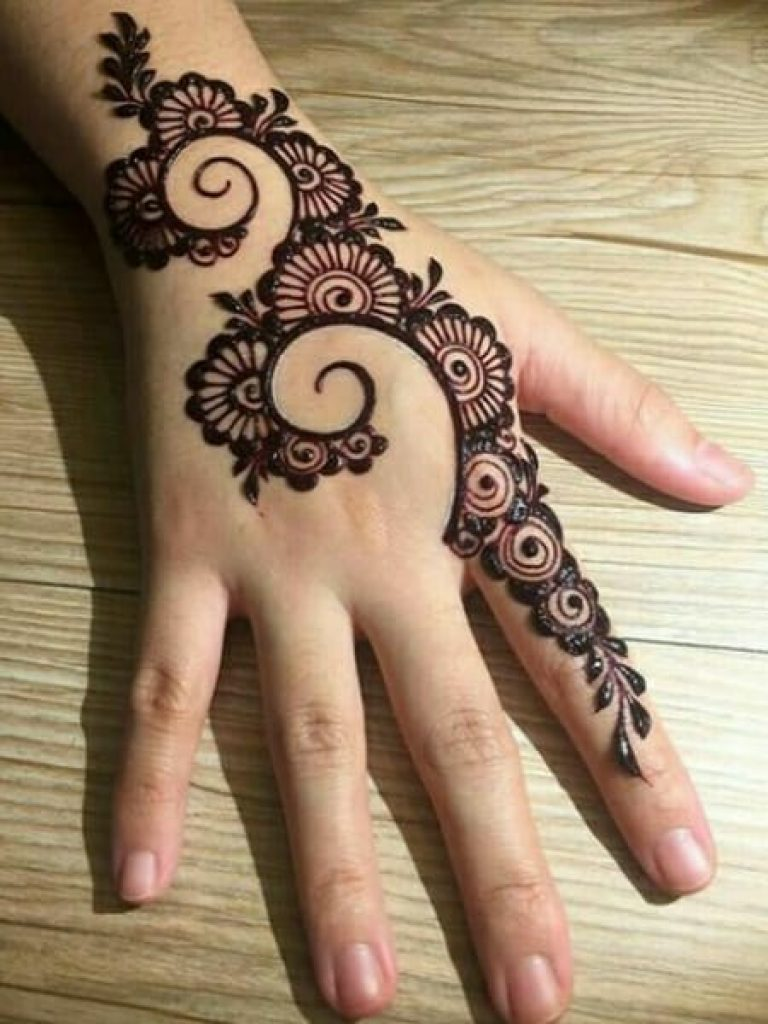 Simple Bel Arabic Mehendi Design