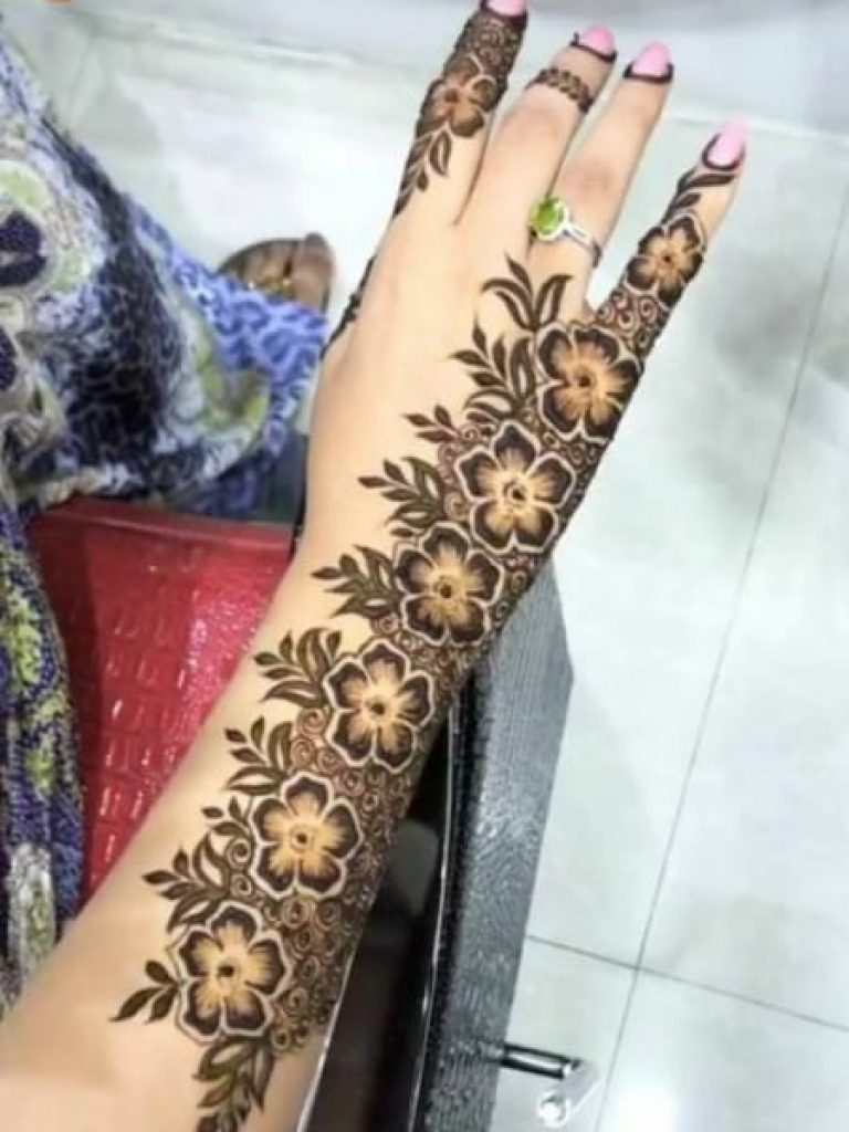 Shaded Arabic Mehndi  Design