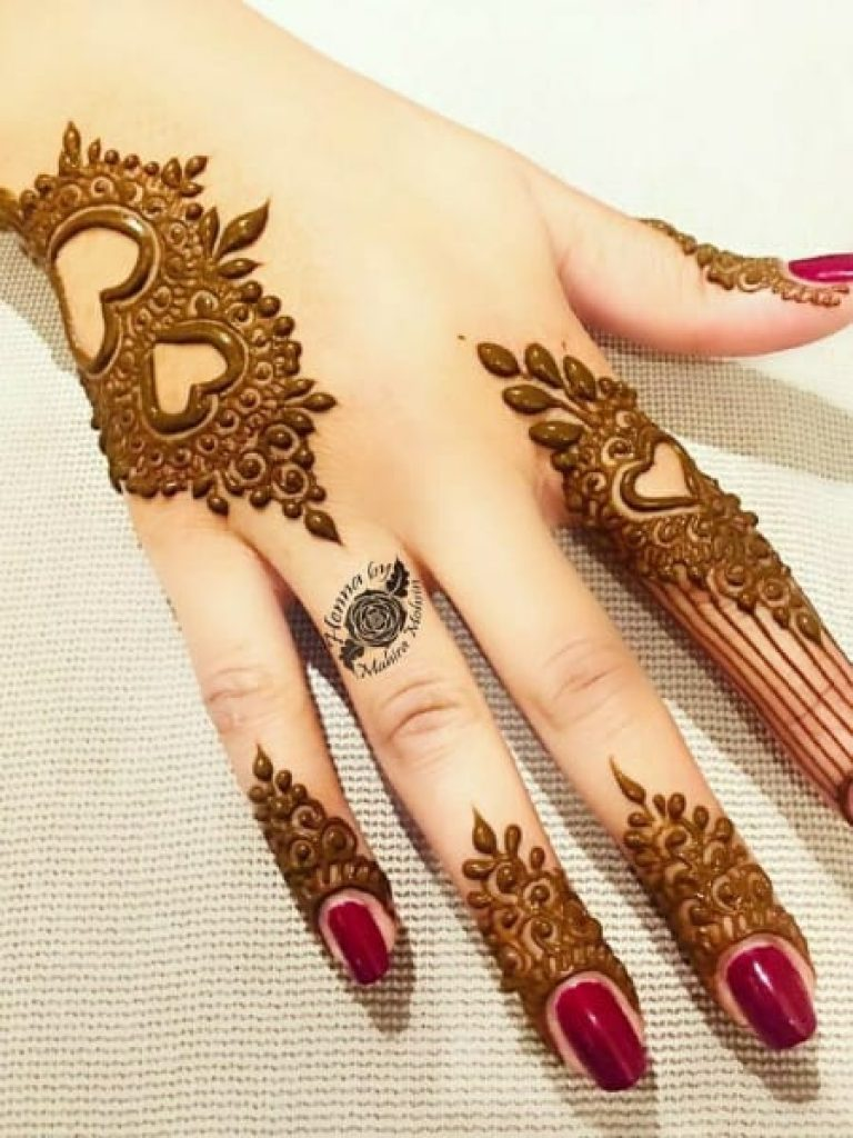 Small Heart Arabic Mehndi Design