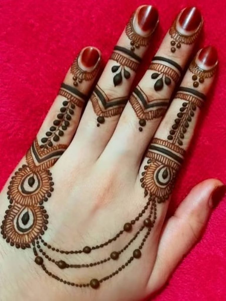 Chained & Dotted Easy Arabic Mehndi