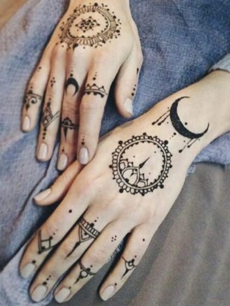 Bohemian Arabic Mehndi Design