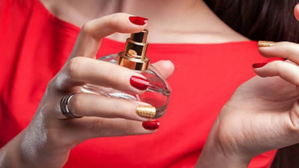 Perfume buying guide :10 Best Perfumes for Women in India 2020