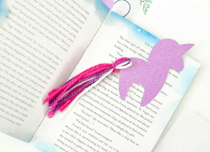 Cute Baby Unicorn Bookmarks - Handmade Valentine Day Card Ideas for Teachers