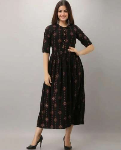 Closed Neck Kurti front