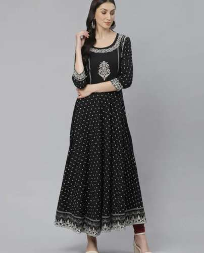 Partially Scooped Neck Kurti front