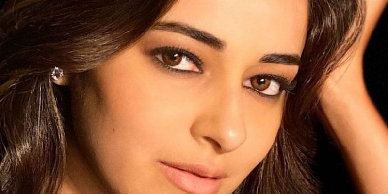 Ananya Pandey Wiki, Boyfriend, Height, Age, Family, Biography & More